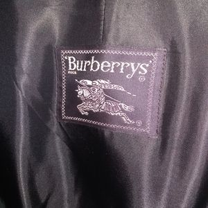 Men's Burberry full lined  Trenchcoat worn only 4x
